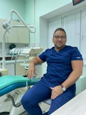 Врач стоматолог хирург-ортопед - Пивнев Сергей Николаевич